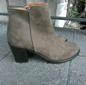 Barney New York Auede Ankle Boots